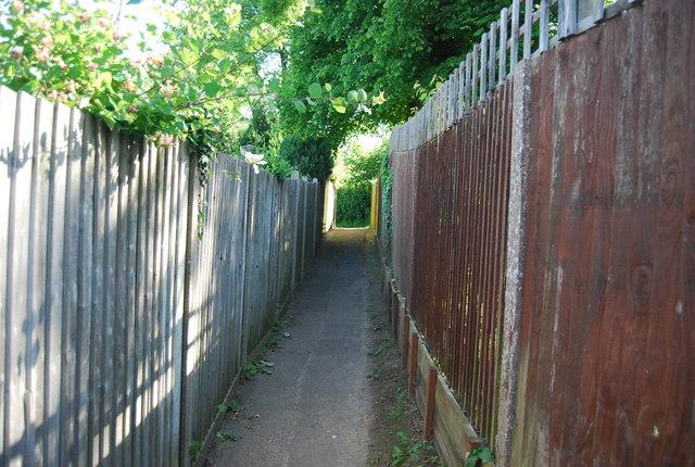 Footpath to Brook Rd