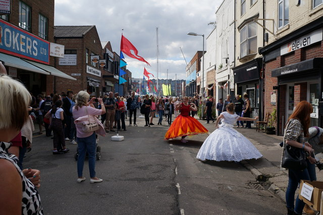 Dancers on Humber Street, Hull