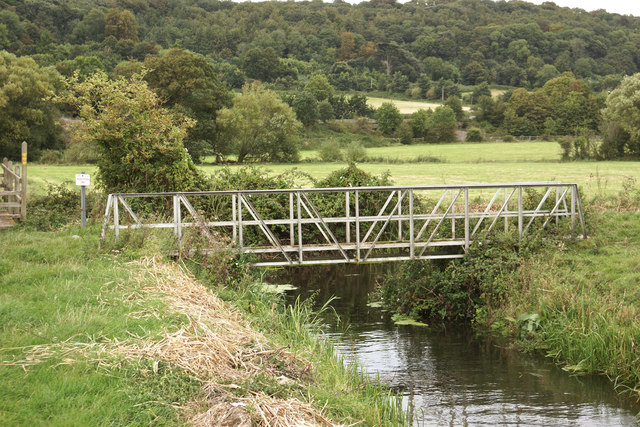 Footbridge over Yearling Ditch