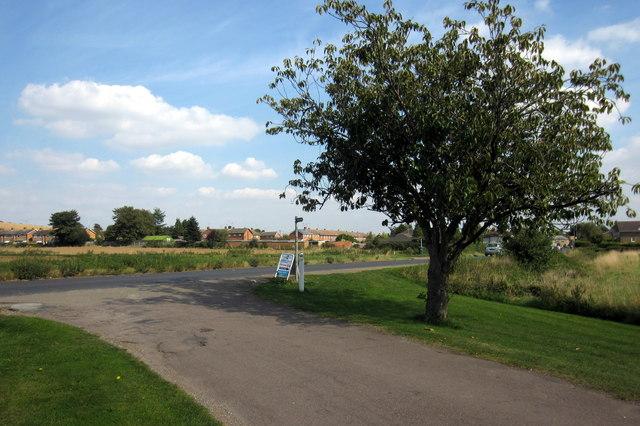 Footpath to Shefford Hardwicke Farm