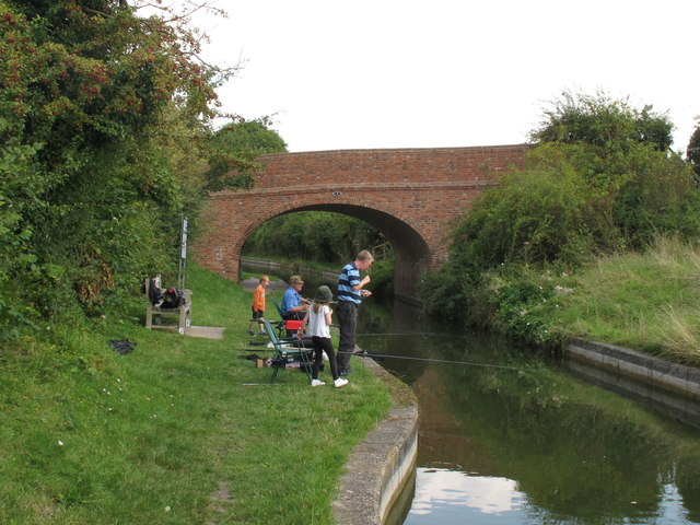 Family of anglers at Little Tring
