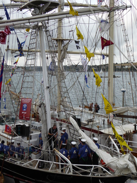 Sea Cadets on Royalist, a Sail Training Association vessel