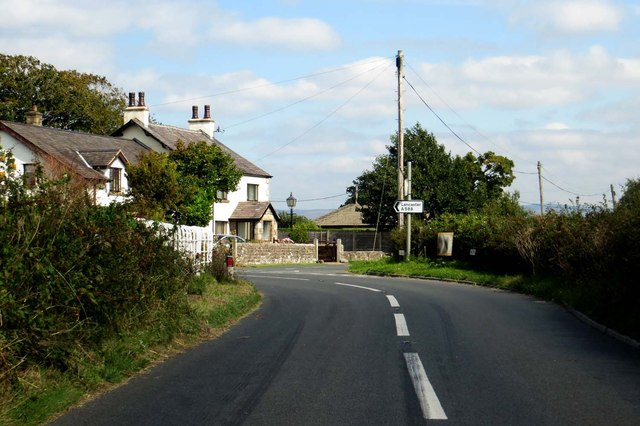 Lancaster Road passes Lane Ends Farm