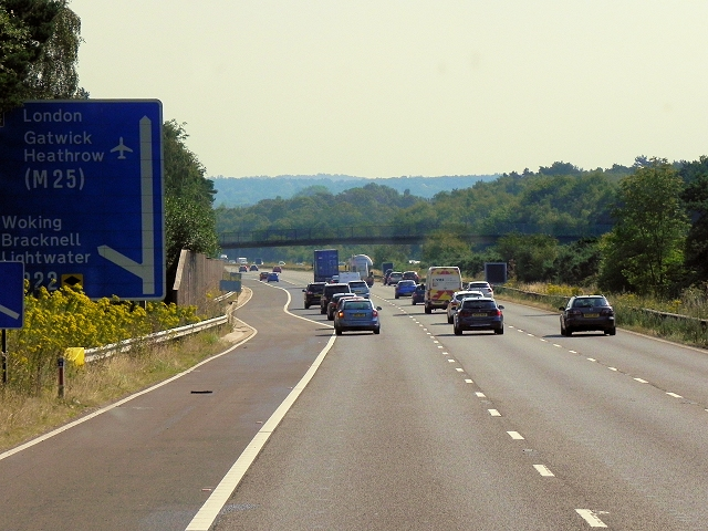 Eastbound M3 approaching Junction 3 (Bagshot)