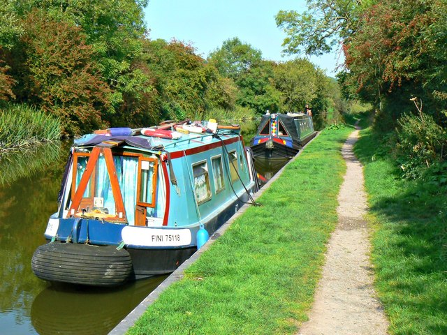 Narrowboat 'Fini 75118', Kennet and Avon Canal, Wootton Rivers, Wiltshire