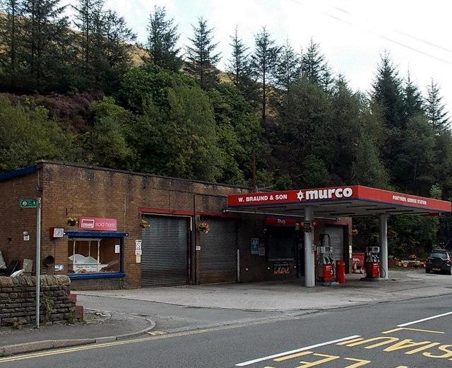 Pontyrhyl Service Station in Lluest
