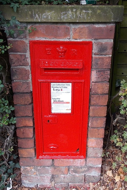 King Edward VII postbox  in an Alderley Road hedge in Wilmslow