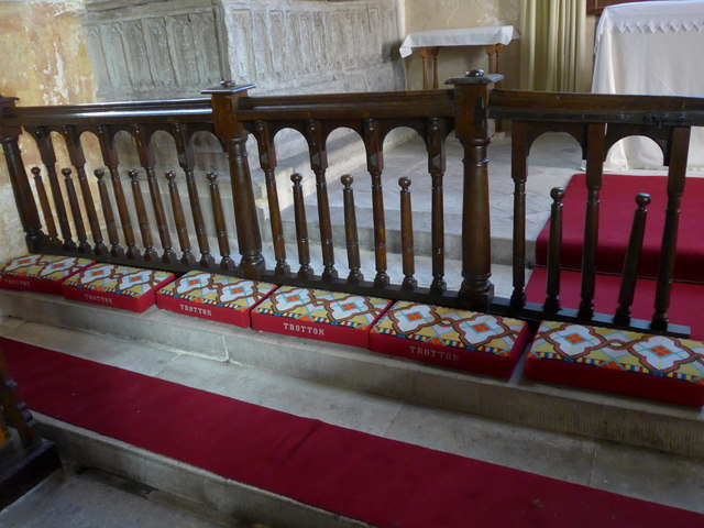 Saint George, Trotton: communion rail