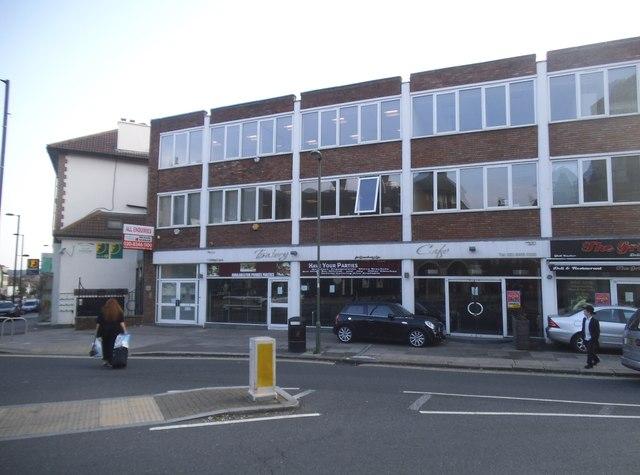Shops on Bridge Lane, Temple Fortune
