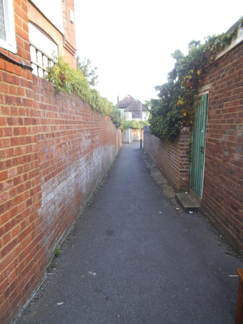 Path from Leeside Crescent to St George's Close