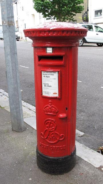 Edward VII postbox, Shaftesbury Place, BN1