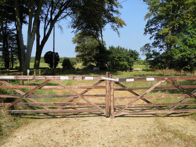 No Entry to equestrian centre at Sussex Farm,