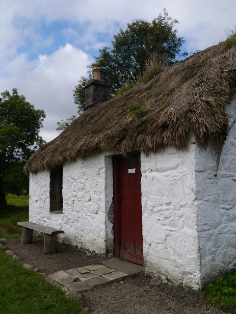 Auchindrain Township Open Air Museum: Bell a' Phuill's Thatched Roof House