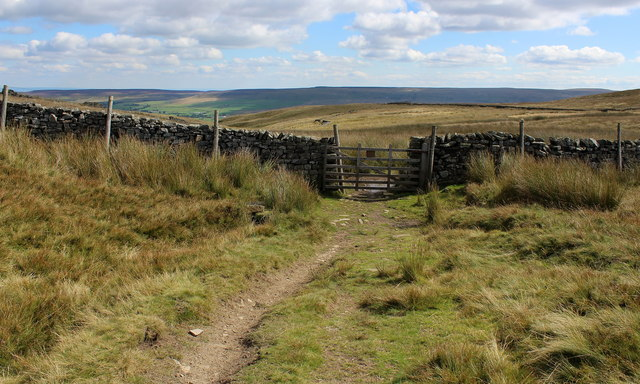Gate between Height of Hazely and Harland Hill