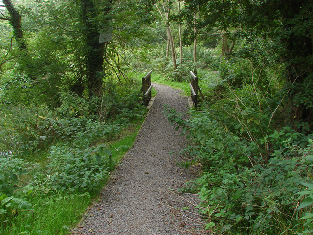 Private path along Cranleigh Waters