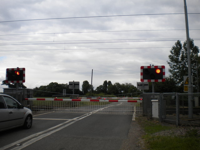 Cromwell Lane crossing south of Carlton on Trent
