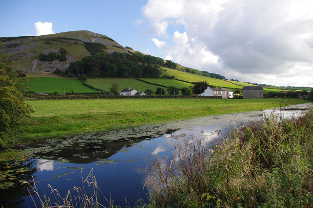 Lancaster Canal and Farleton Knott