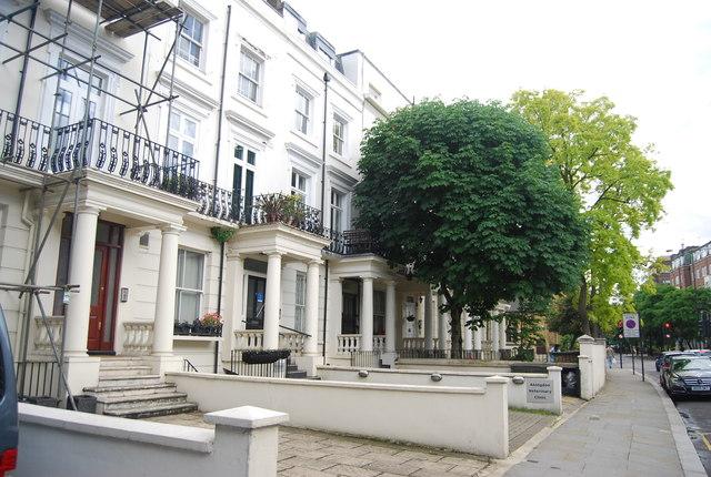Villas, Earl's Court Rd