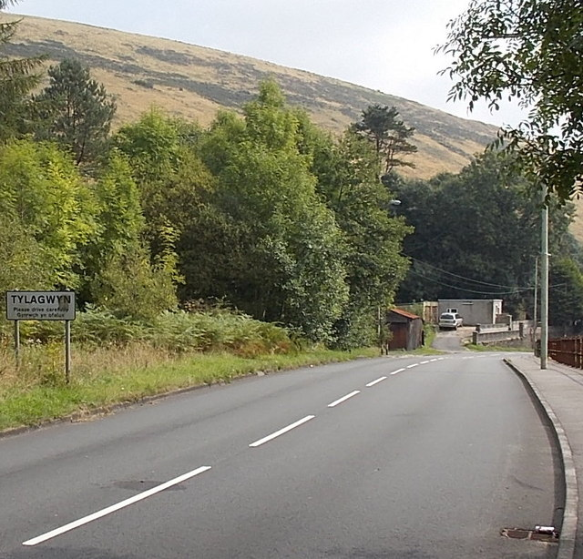 NW boundary of Tylagwyn