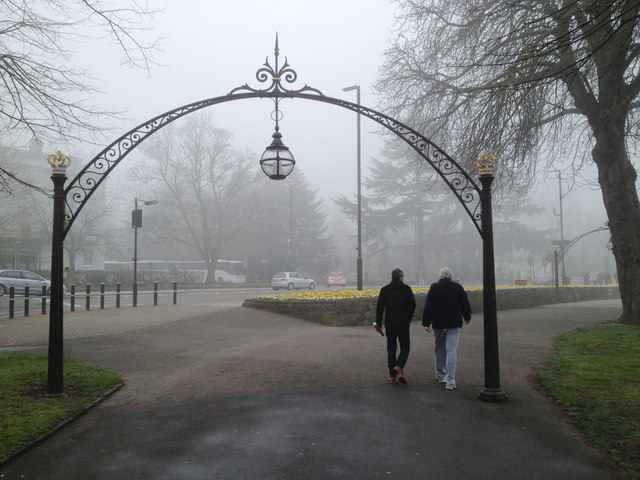Foggy Leamington: Linden Walk and Lower Parade