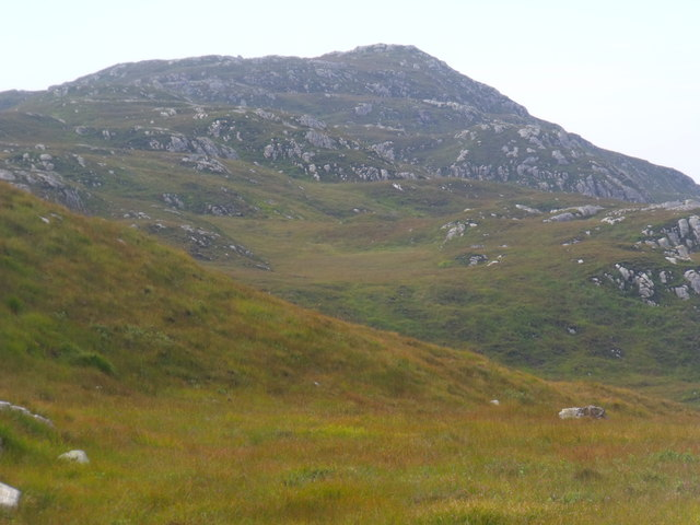 Big cnoc above Clais Fearna near Lochinver