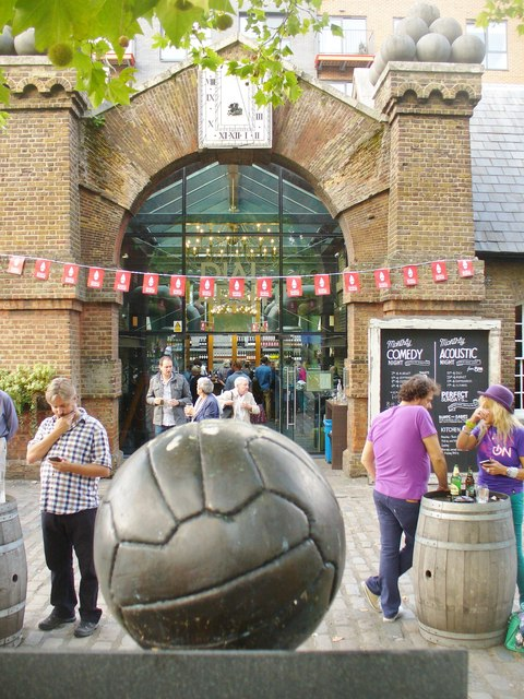 Dial Square FC Memorial