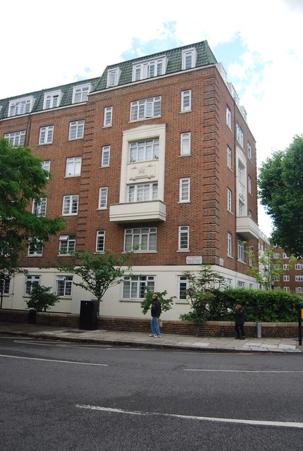 Apartment block, Earl's Court Rd