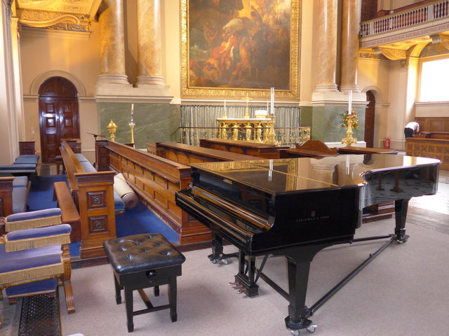 Inside the Chapel of SS Peter & Paul, Old Royal Naval College, Greenwich (l)