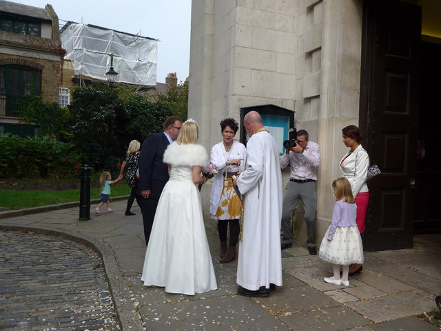 St Alfege, Greenwich: wedding about to begin