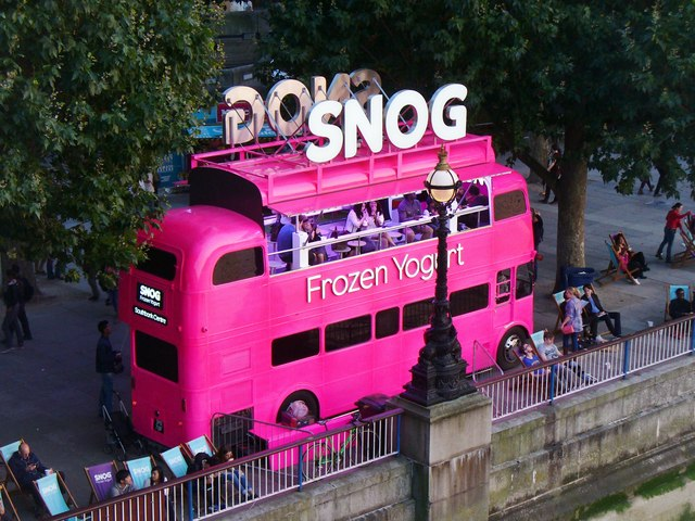 A Snog on the Bus