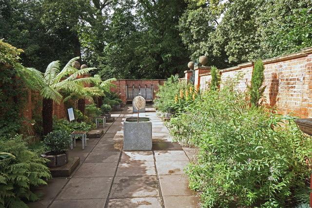 Lady Wraxall's Garden