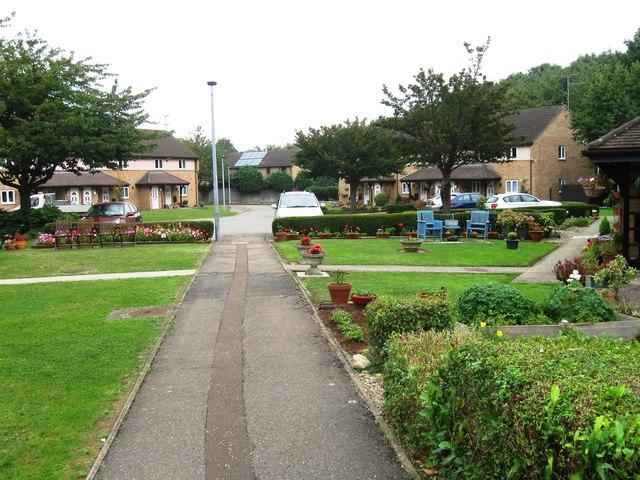 Pedestrian access to Woolgard