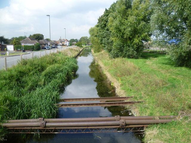 Longford River alongside Bedfont Road
