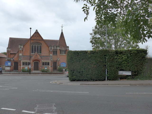 Looking from St Catherine's Road over Cobden Avenue towards Bitterne Park URC