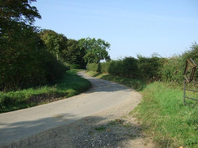 Sharp bend in Back Lane