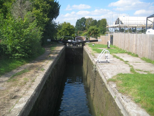 Grand Union Canal: Aylesbury Arm: Marsworth Lock No 1