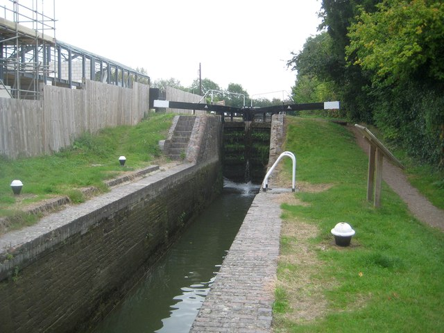 Grand Union Canal: Aylesbury Arm: Marsworth Lock No 2