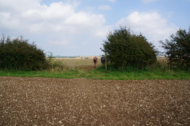 Footpath leading to Wold Newton
