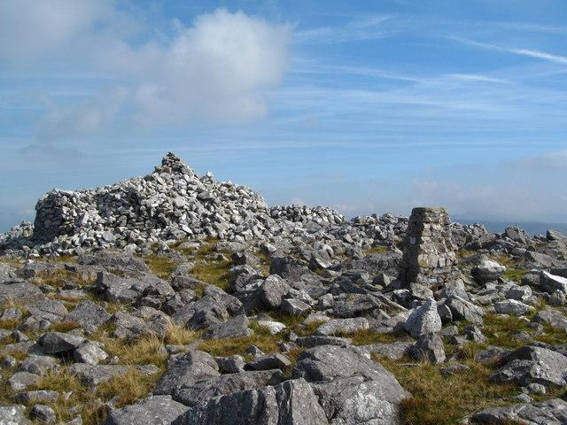 Trig point and cairn, Garreg Lwyd