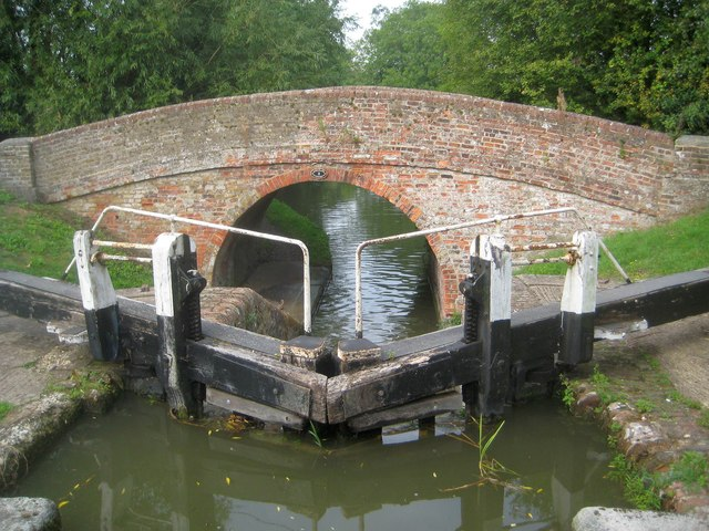 Grand Union Canal: Aylesbury Arm: Bridge No 3