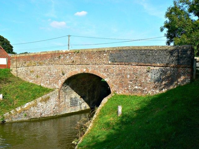 Bridge 106, Kennet and Avon Canal, Brimslade, Wiltshire