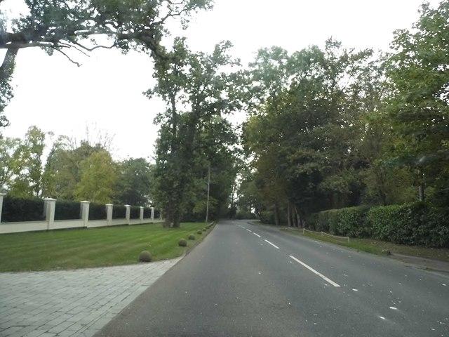 Kentish Lane, Brookmans Park