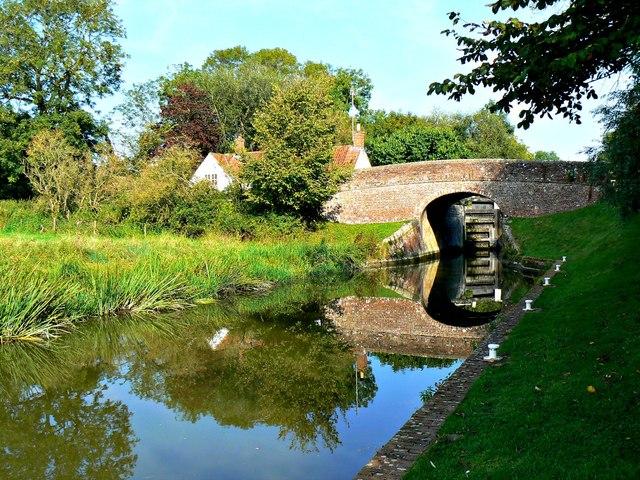 Bridge 105, Kennet and Avon Canal, Brimslade, Wiltshire