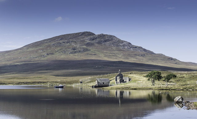 Old boat house on Loch a' Bhraoin