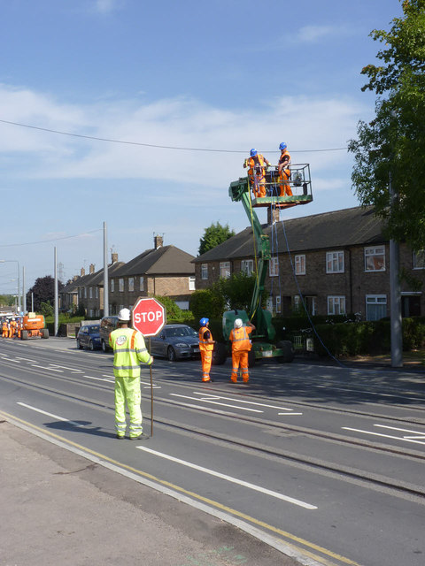 Putting up the tramway overhead