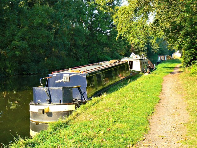 Narrowboat 'Calum', Kennet and Avon Canal, Heathy Close, Wiltshire (2)