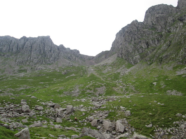 Mickledore flanked by Scafell Pike (left) and Scafell (right)
