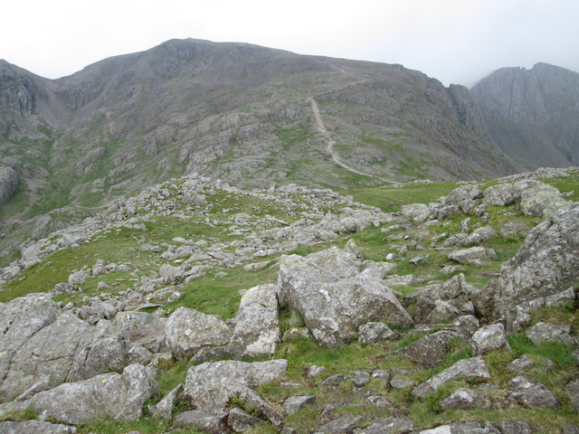 Lingmell view of the path going up Scafell Pike