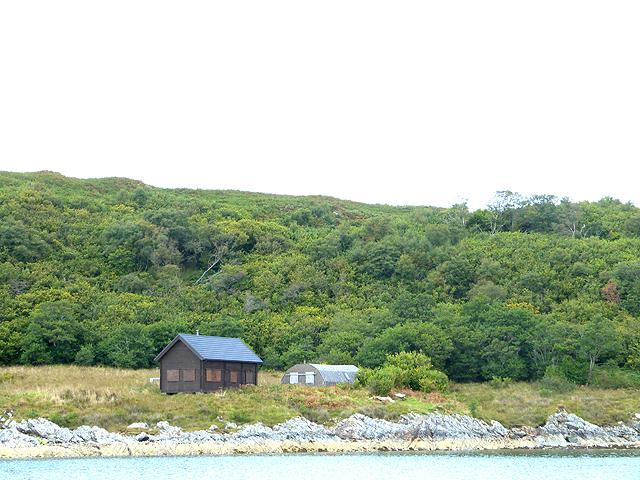 Huts on Eilean Mhic Chrion