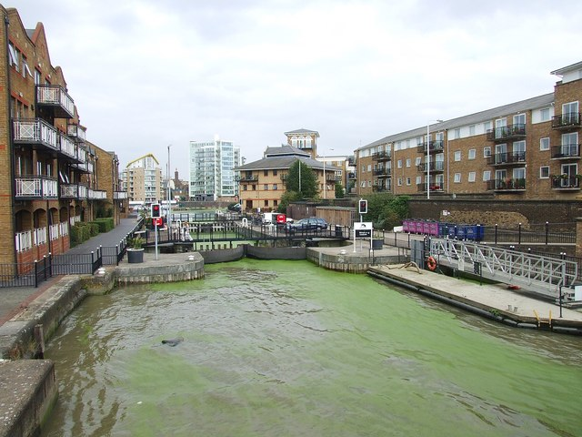 Entrance to Limehouse Basin